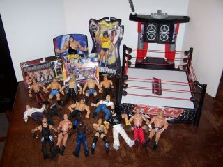 Lot 18 Loose Raw WWE WWF Wrestling Figures and Arena Stage