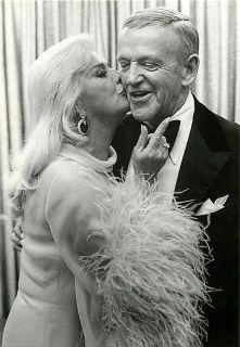 Fred Astaire and Ginger Rogers in 1975 Modern Postcard