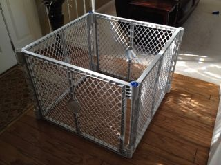 States Superyard Classic XT Gate Play Yard Baby Pet Dog Gate 8666