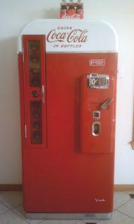 Vintage Antique Coca Cola Coke Machine Vendo 81