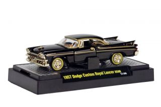M2 Machines Auto Thentics 1957 Dodge Custom Royal Lancer D500 R16
