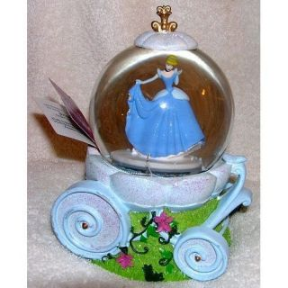CARRIAGE COACH SNOWGLOBE MUSICAL A DREAM IS A WISH YOUR HEART MAKES