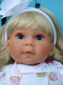 LEE MIDDLETON DOLL 22 IN. BLONDE HAIR/BLUE EYES, 1999 2 OUTFITS