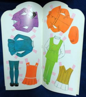 VINTAGE* 1971 Betsy McCall Paper Doll Book COMPLETE & UNCUT Whitman
