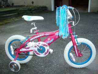 KIDS BICYCLE SCHWINN SEASIDE GIRLS BIKE with TRAINING WHEELS