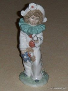 Retired Lladro Nao A Bird in Hand 1100G Pierrot Clown Girl with Dove