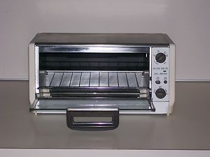 Black Decker Under Cabinet Spacemaker Easy Clean Toaster Oven Broiler