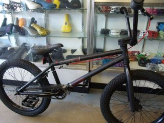 EASTERN BIKES PISTON MATTE BLACK 2013 BMX BIKE  2 FREE BMX POSTERS