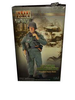 FORCE WWII 21 ST PANZER DIVISION GUNNER Franz Haas BLUE BOX 12 FIGURE