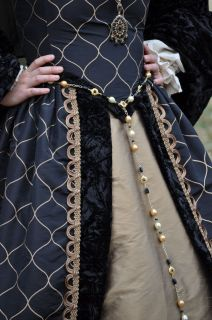 Tudors SCA Queen Anne Boleyn Jane Black Gold Renaissance Dress Gown