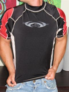 Body Glove Mens Rash Guard Surf Shirt Beach Muscle Top UV Protection L