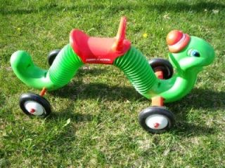 Radio Flyer The INCH WORM Bounce n Go Ride on Toy PICK UP ONLY