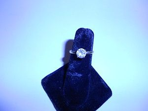 ELEGANT CLASSIC LAB CREATED SOLITAIRE RING YELLOW GOLD BY LIND