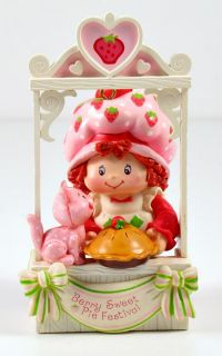 Carlton Cards Scented Easy As Pie Strawberry Shortcake Ornament