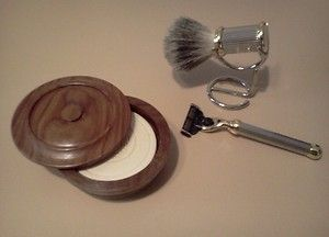 Caswell Massey High Quality Shaving Set Razor Badger Brush w Stand