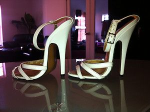 Carrie LaChances Used Well Worn 6 Sexy White Patent Leather Sandals