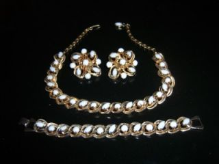 Vintage Jewelry Set Gold Tone w Milk Glass Beads 60s Necklace