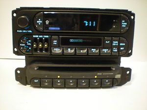 05 06 CHRYSLER SEBRING CONVERTIBLE 6 DISC CD CHANGER PLAYER NO RADIO