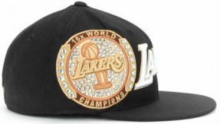 Lakers Adidas Size 7 1/4 Fitted Hat Cap   16 X NBA World Champions