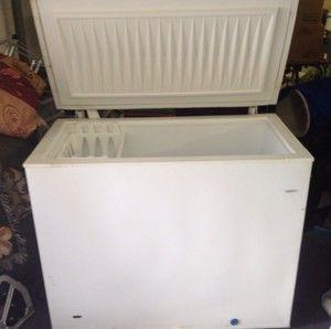 Frigidaire Heavy Duty Commercial Chest Freezer