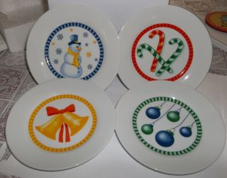 Christmas Holiday Porcelain Plates Set of 4 Designs 6 in Diameter