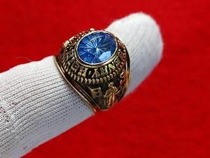GORGEOUS VINTAGE 10K GOLD RANDOLPH HENRY HIGH SCHOOL CLASS RING OF