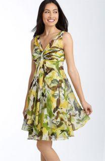 Donna Ricco Flyaway Chiffon Dress (Plus)