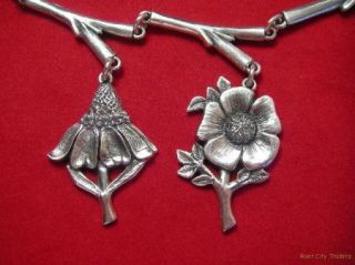 Jeep Collins Sterling Silver Wildflowers Motif Link Necklace