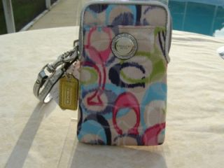 New COACH POPPY IKAT UNIVERSAL CASE CELL PHONE ,CAMERA,WRISTLET $