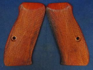 NEW WOOD CHECKERED GRIPS FOR CZ 75 85B, CZ 75 85 3, COMPACT