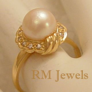 Vintage Cultured Pearl and Diamond 14kt Gold Ring