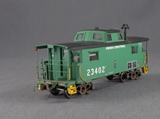 DTD Rail Classics PC Penn Central V6 7 N 8 Caboose 23402 HO Scale