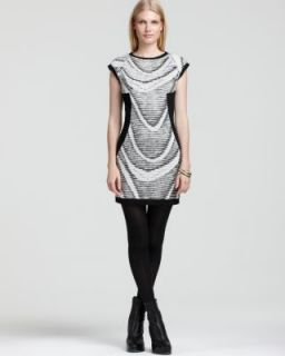 CUT25 New Black White Pleated Cap Sleeves Crew Neck Wave Casual Dress