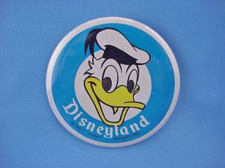 Disneyland DONALD DUCK Pinback Button Badge Ex. Cond The vintage