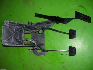 99 Dodge Ram cummins diesel CLUTCH BRAKE PEDALS assembly Swingarm