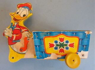 Vintage WALT DISNEY DONALD DUCK FISHER PRICE WOOD PULL TOY CART 605