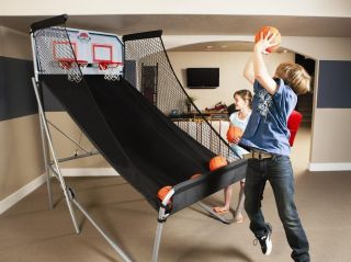 NEW Commercial Double Shot Arcade Basketball Game w 7 Basketballs