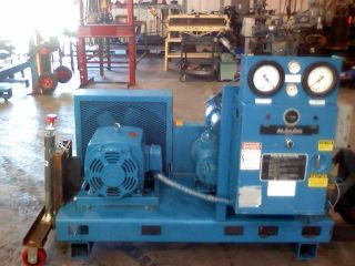 20 HP Quincy Rotary Vacuum