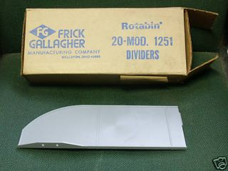 Box 20 Durham Model 1251 Plastic Divider for 28 Diam