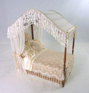 Dollhouse Miniature IGMA Artisan Elegant Canopy Bed Peach & White Lace