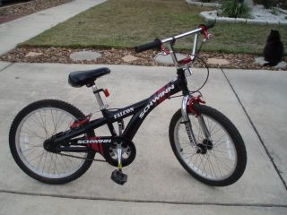20 Schwinn Falcon Black/Red Boy Mountain Bike Bicycle   Very Good