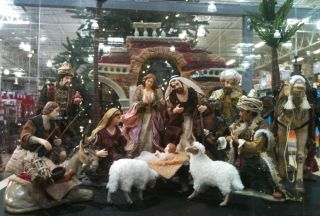 16 PSC Porcelain Nativity Set with High Quality Fabric Handcrafted New