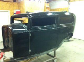 Sedan Tudor Fiberglass Body Hot Rat Street Rod Deuce Chopped