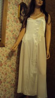 Flora Nikrooz Ivory Long Nightgown Liquid Satin Polyester Size Large