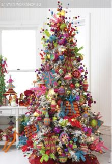 Pre Lit 9 ft Artificial Flocked Snow Christmas Tree w Clear 700 Lights