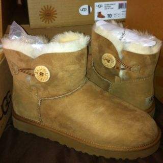 Womens Mini Bailey Button Chestnut 3352 UGG Authentic Size 10 NEW In