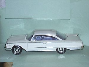 Ertl 1 18 Scale 1960 Ford Starliner Diecast Car