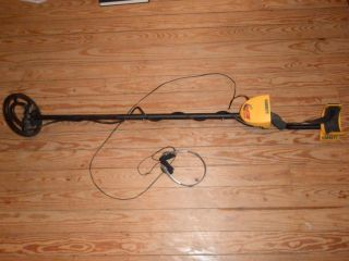 Garrett Ace 250 Metal Detector w Headphones Included