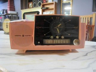 Vintage General Electric 911 D Pink Clock Radio