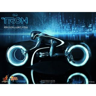 Tron Legacy Hot Toys Sideshow Sam Flynn Movie Figure and Lightcycle 1